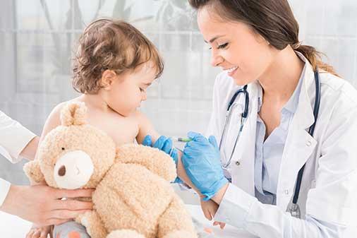 kinderarzt-impfung